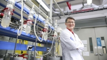 Prof. Jong-Beom Baek (School of Energy and Chemical Engineering) is posing for a portrait in his laboratory, UNIST.